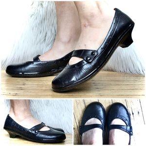 Born Mary Jane Kitten Heel Shoes 8/39